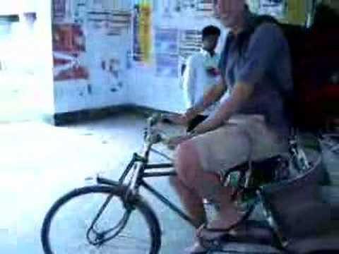 Bangladesh – Rickshaw Ride in Rajshahi University
