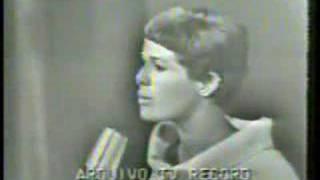 Elis Regina: Veleiro No Premio Roquete Pinto 1967 (Video)