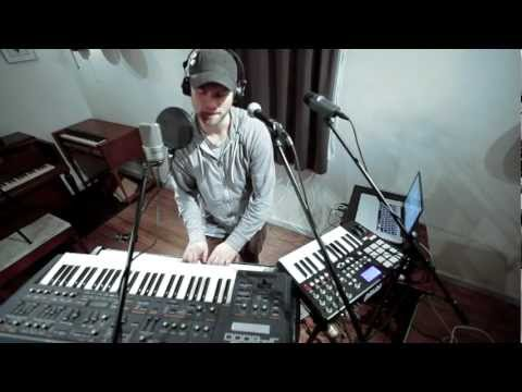 chameleon-looping-with-ableton-live-and-voicelive-play-gavin-castleton