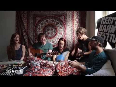 team-me-kick-curse-acoustic-for-in-bed-with-at-reeperbahn-festival-2014-in-bed-with-live-sessions