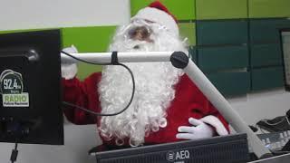 Papa Noel en la emisora 92.4 FM Radio Policia Nacional