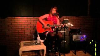 """Dori Loli """"Así Fue"""" at Ojalá Speakeasy Bar"""