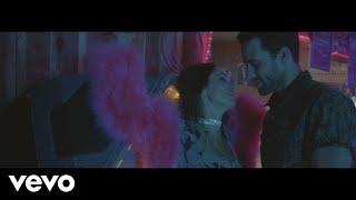 Liz Huett - STFU & Hold Me