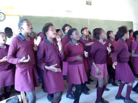 Xhosa kids sing loud at Bulugha Farm School
