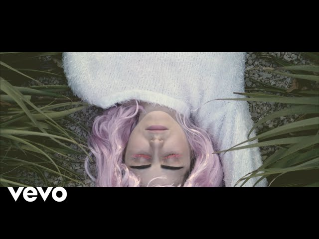 """Videoclip oficial de la canción """"Mother"""" de Barbott."""