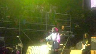 Lauryn Hill performs nothing even matters and other songs