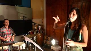 Luz Desposito 4 - Cant buy me love