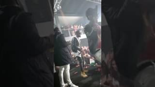 """EDSONG em performance ao vivo do hit """"Corpo com Corpo""""  Disco Kaxaça  2017"""