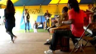 Burkinese percussie en dans op de Molenfeesten in Gierle