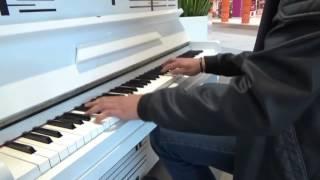 Elfen Lied - Lilium | Live Piano Improvisation in Shopping Center