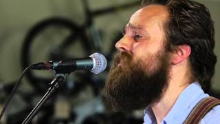 Iron & Wine - Upward Over The Mountain (Live on KEXP)