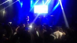 Zion y Lennox-Embriagame(en vivo,Perú)