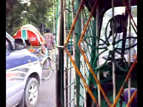 Driving around Dhaka in a CNG/Auto-Rickshaw