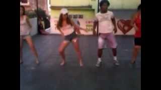Vem dançar com tudo ( Raianny, Gabriella, Chocolate e Milena. ) CONDOMÍNIO.