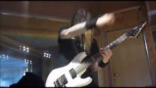 Status: Fatal - Kvit Gitar