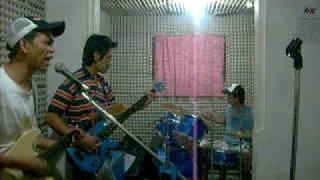 MALI UP GILID hehehe ^_^  TORETE ROCK . . .