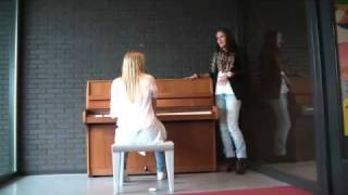 Julia & Babette - Medley