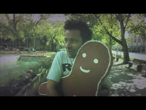 kispal-es-a-borz-tobbiektol-hivatalos-videoklip-universalhungary