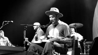 Ben Harper & The Innocent Criminals - Ground On Down (live)