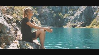 Marcus REVOLTA ft. Petra Huliaková - Svět se změní (prod. Revolta) CZ/EN