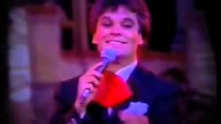 """Juan Gabriel """"Mi buen Corazón"""" con Amanda Miguel."""
