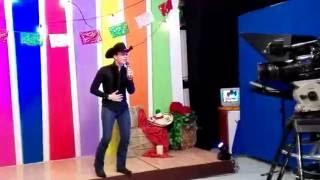 Guero Robles desde Televisa Saltillo canta Irrepetible