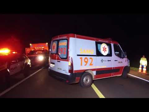 Ônibus tomba após estourar pneu na BR-369 próximo a Juranda e deixa vários feridos.