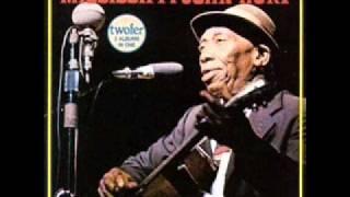 Mississippi John Hurt - Candyman Blues (Live)