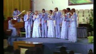 """Heritage Singers / """"We've Come This Far By Faith"""" (live)"""