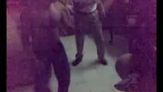 Johana y Davicho bailando
