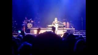 Michal David - Je to blízko (HIT TOUR 2013 s Luckou Vondráčkovou)