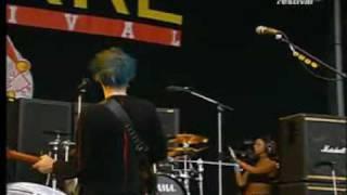 Muse - Muscle Museum live @ Bizarre Festival 2000 [HD]vv.avi