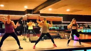Mueve La Cintura by El Chevo ft Papayo, Dance Fitness, Zumba Fitness ®