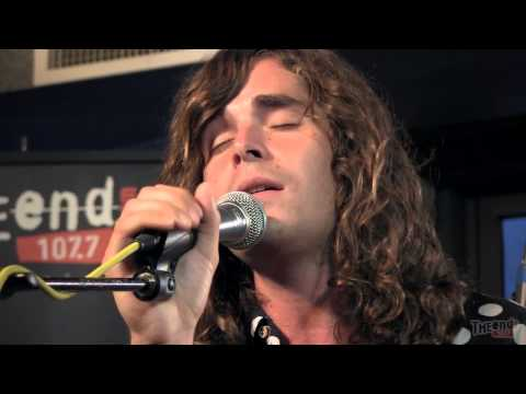 youngblood-hawke-we-come-running-acoustic-endsession-1077theend