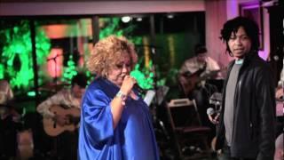 """Djavan - Capim -  Participação no DVD """"Alcione Duas Faces"""""""