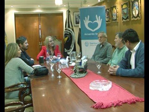 Alicia recibió a los investigadores del Proyecto Cultural de la Meseta del Lago Strobel