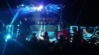 Showtek - Booyah (Live Djakarta Warehouse Project 2014)