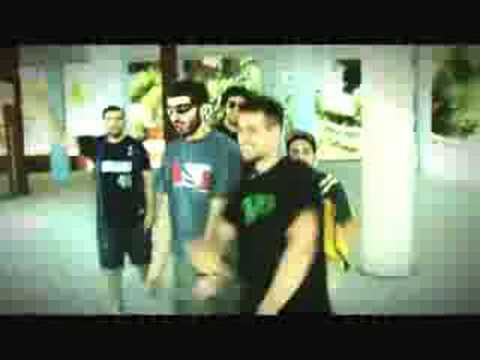 flowjob-en-drasi-video-clip-vangelis-tsaousopoulos