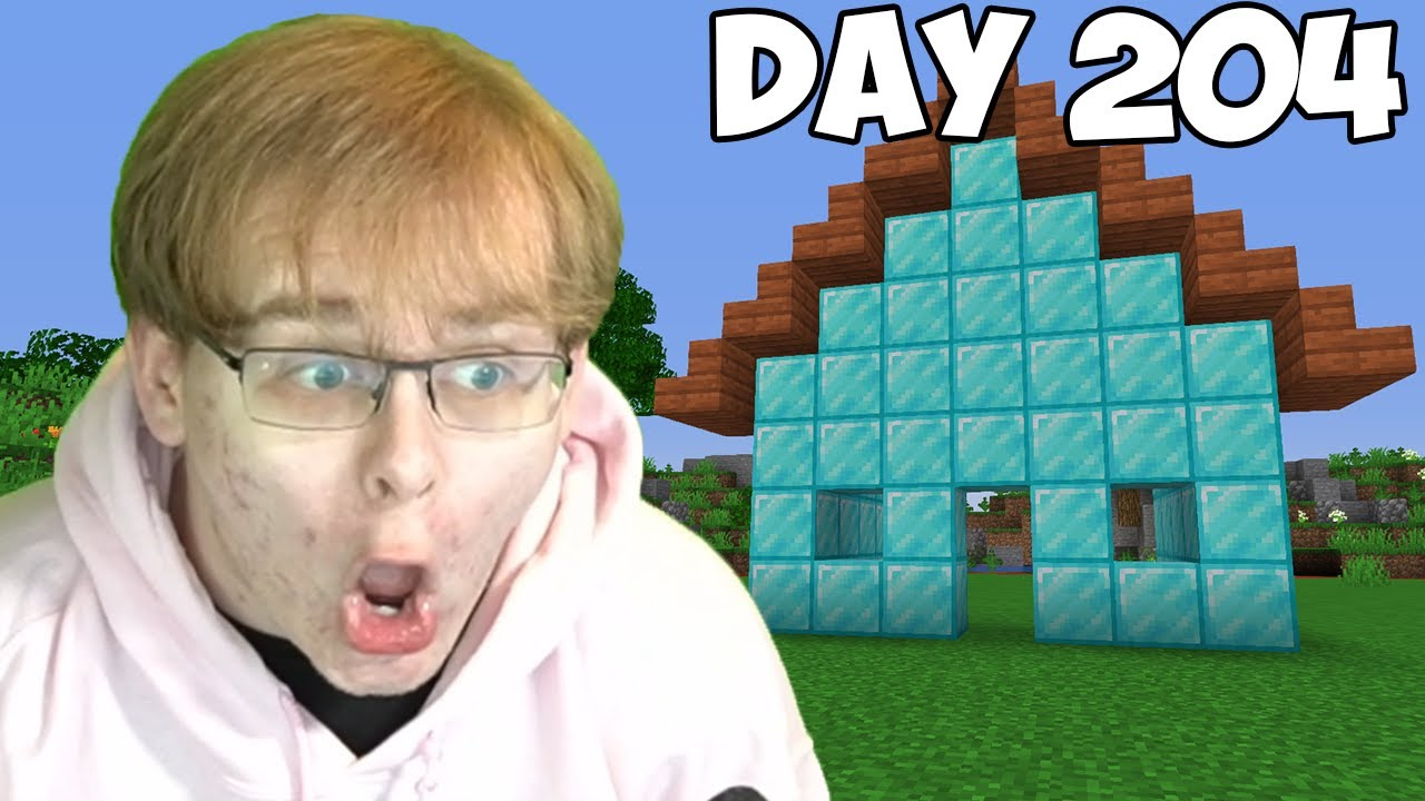 CallMeCarson - Last To Leave Diamond House Wins Minecraft Burger!