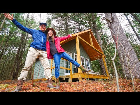 Cozy Off-Grid CAMPING CABIN in the Woods 🌲😍 | TINY CABIN Tour in MUSKOKA, Ontario, Canada