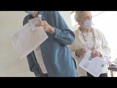 Los mayores primero, la consigna de la vacunación en Florida