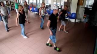 Linedance-  Walking On New Grass