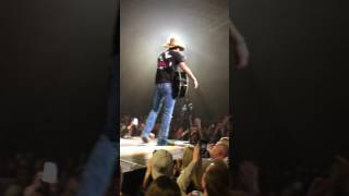 Jason Aldean- Any Ol Barstool; Green Bay, WI; 2017