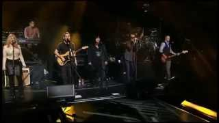 Linkin Park - Castle Of Glass (feat. Ann and Nancy Wilson) Live Out Concert for the Philippines 2014