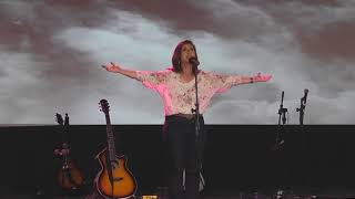 On my knees, Nicole C. Mullen / cover Português Ingrid