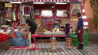 A Vila. Paulo Gustavo como  Richard e Violeta formam uma dupla na A Vila e cantam . Multishow