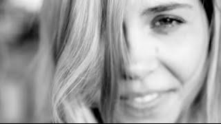 Anna Schulze - Closer