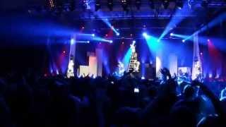 Deichkind - Bon Voyage (Live in Hannover 20.11.2012)