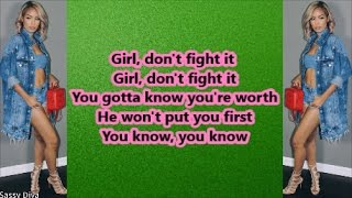 Marissa - She's Broken (Lyrics)