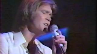 """Glen Campbell Sings """"This Is Sarah's Song"""" (Jimmy Webb)"""